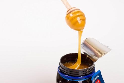 medová lyžička